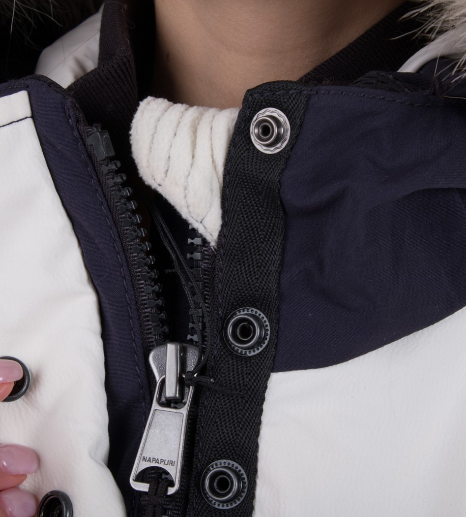 0488445bd Пуховик Cabochon Fantasy - Интернет магазин брендовой одежды BOMBABRANDS.RU