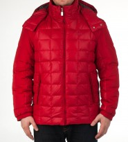 Пуховик красного цвета с капюшоном - Интернет магазин брендовой одежды BOMBABRANDS.RU